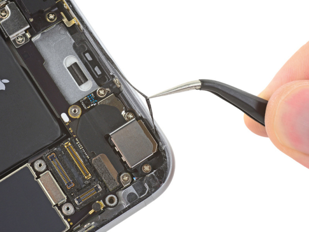 iphone-6s-teardown-waterproof-1
