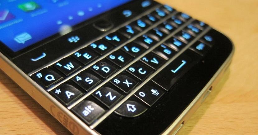 BlackBerry cierra su división de teléfonos móviles