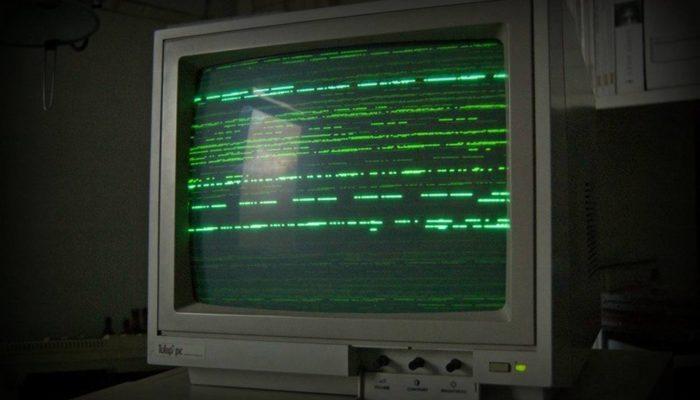 pantallas negras y verdes